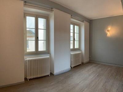APPARTEMENT T2 A LOUER - NEUVILLE SUR SAONE - 36,16 m2 - 586 € charges comprises par mois