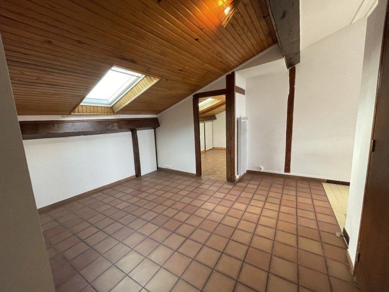 STUDIO - LYON 4EME ARRONDISSEMENT - 40,08 m2 - LOUÉ